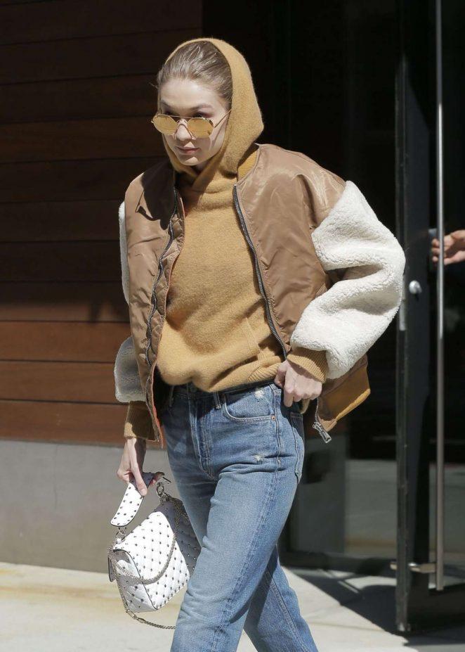 Gigi Hadid – Leaves her home in New York